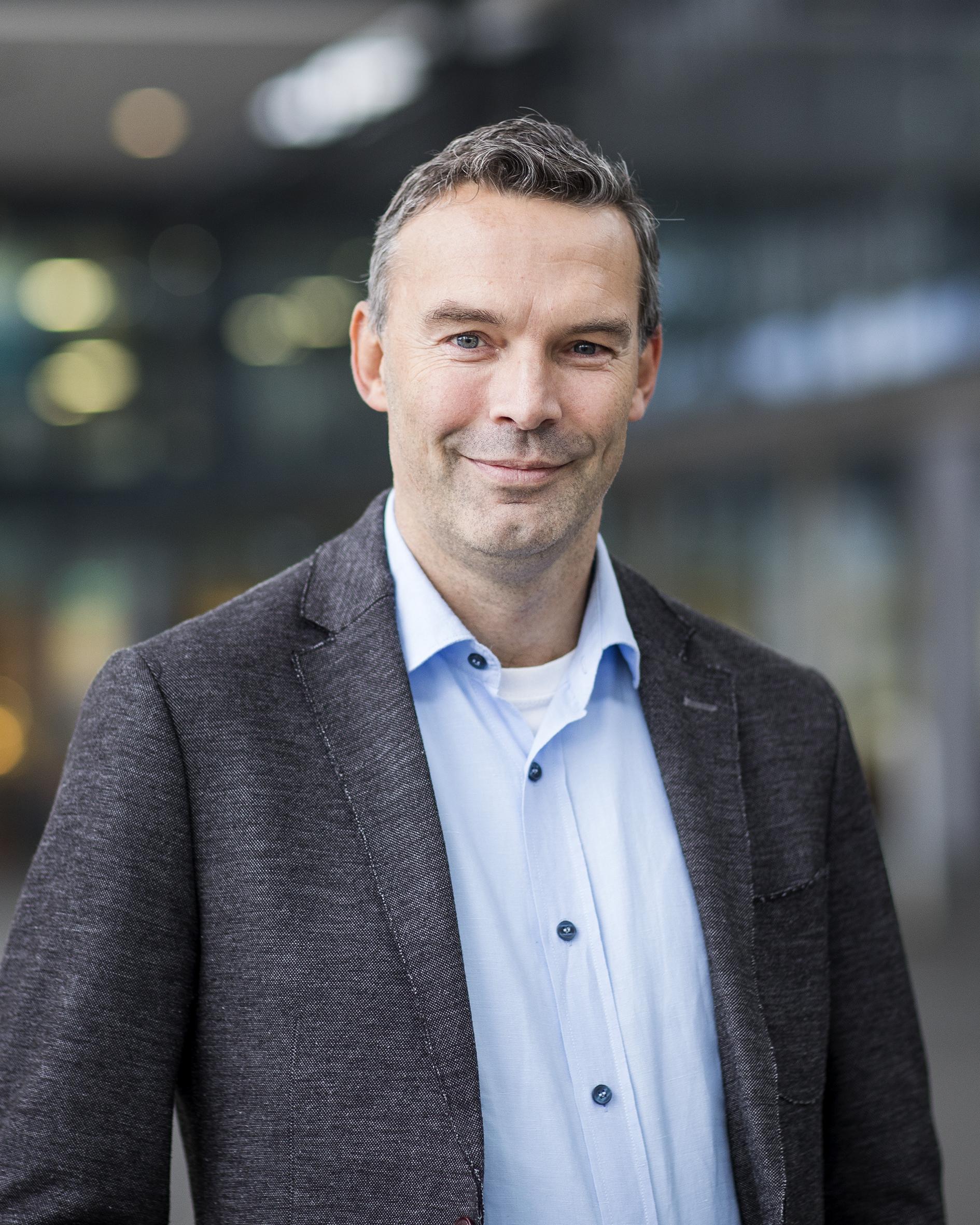 Doelder, prof.dr.ir. C.F.J. den  PDEng