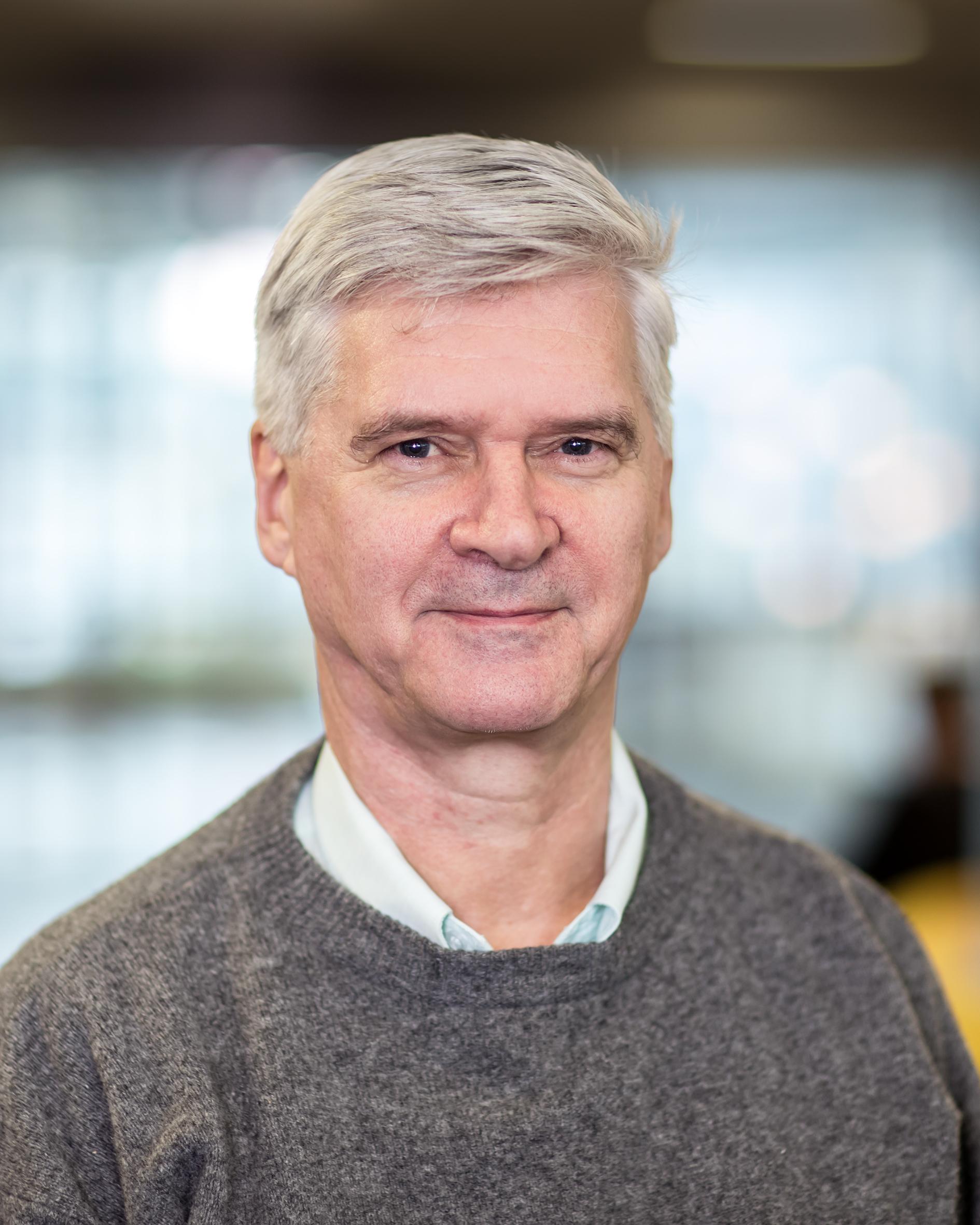 Geld, prof.dr. C.W.M. van der