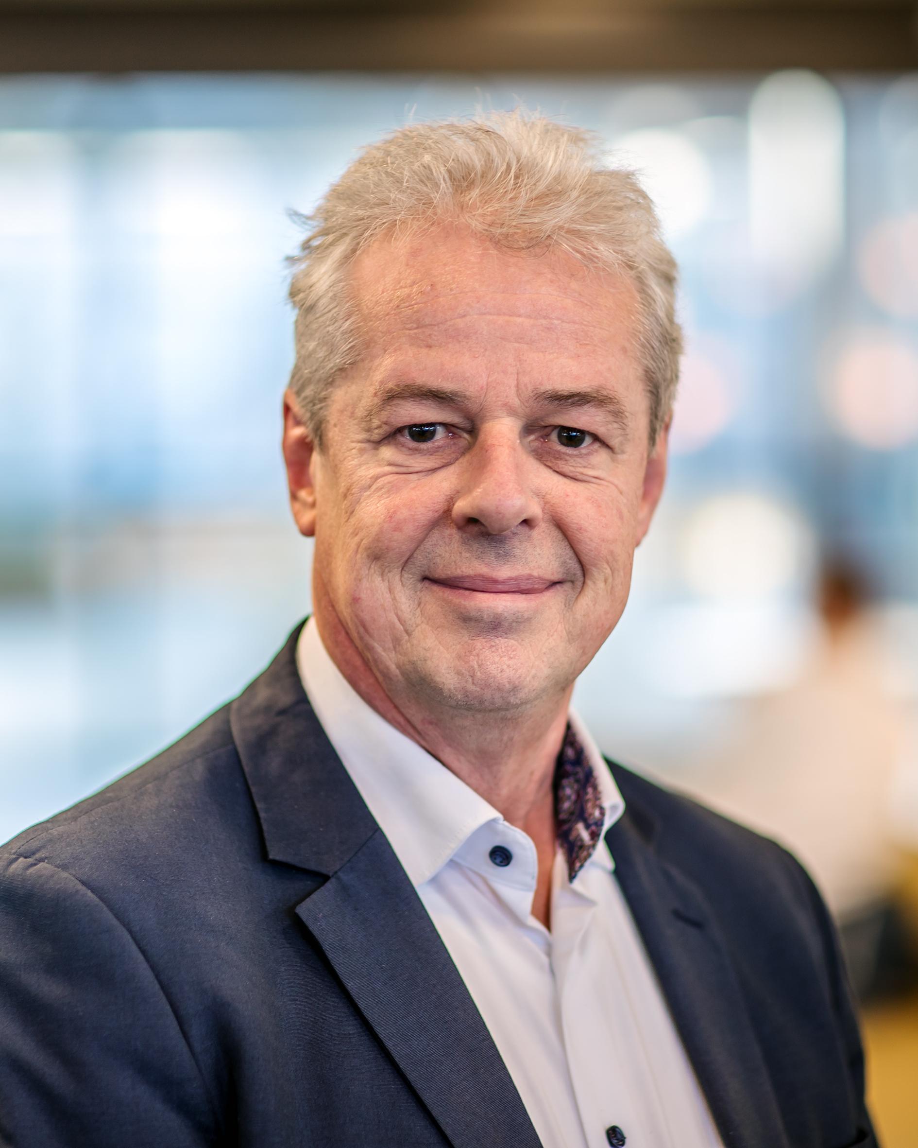 Hof, prof.dr.ir. P.M.J. Van den