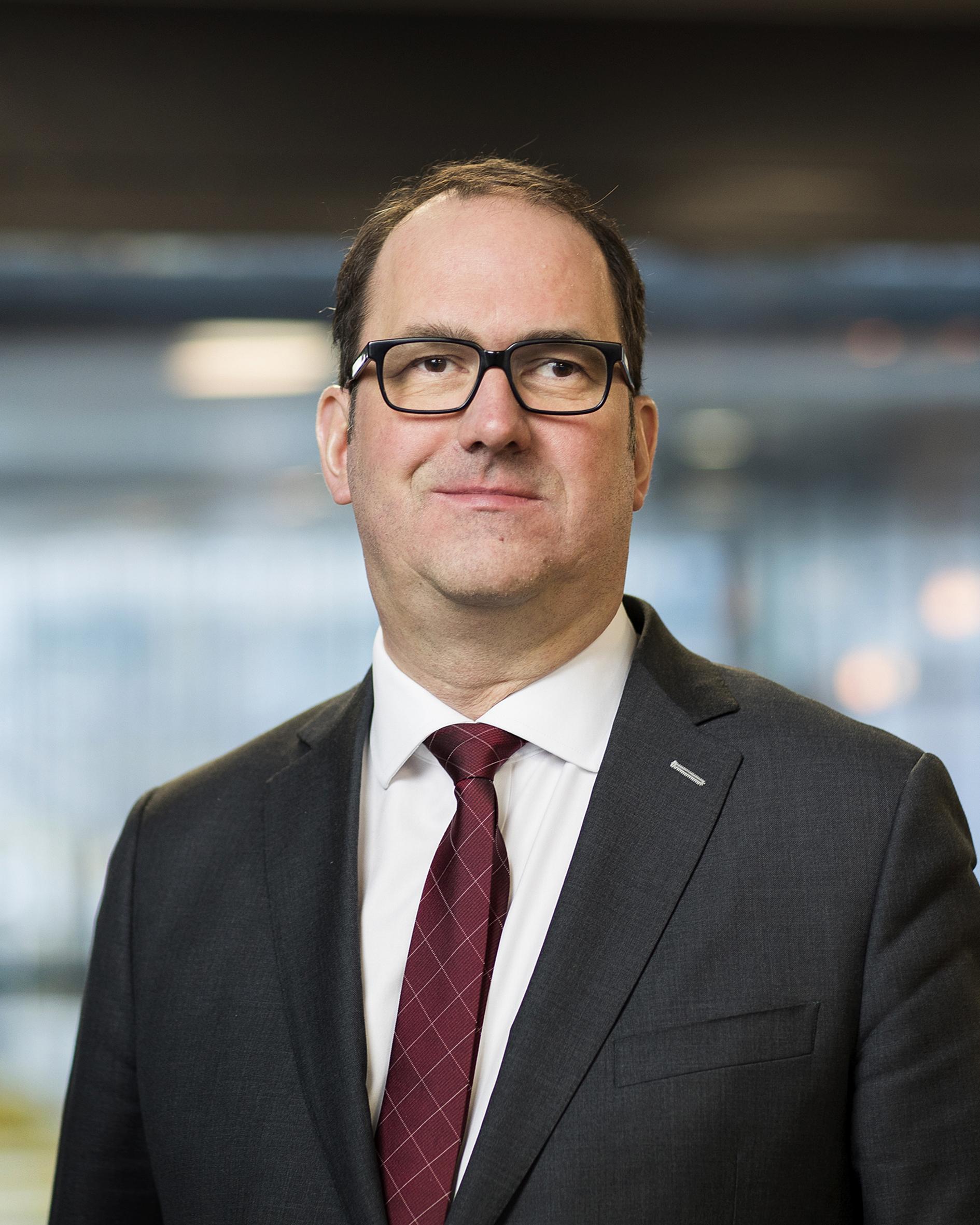 Teuffel, prof.Dr.-Ing. P.M.