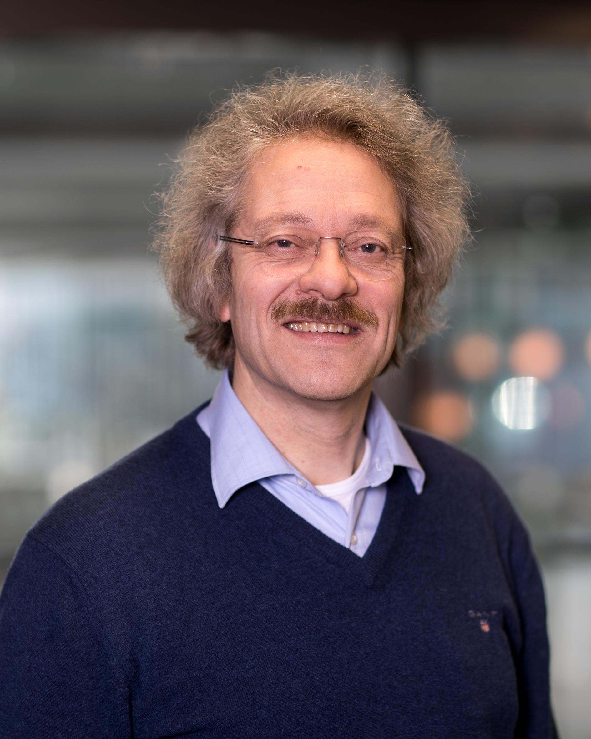 Ijzendoorn, dr. L.J. van