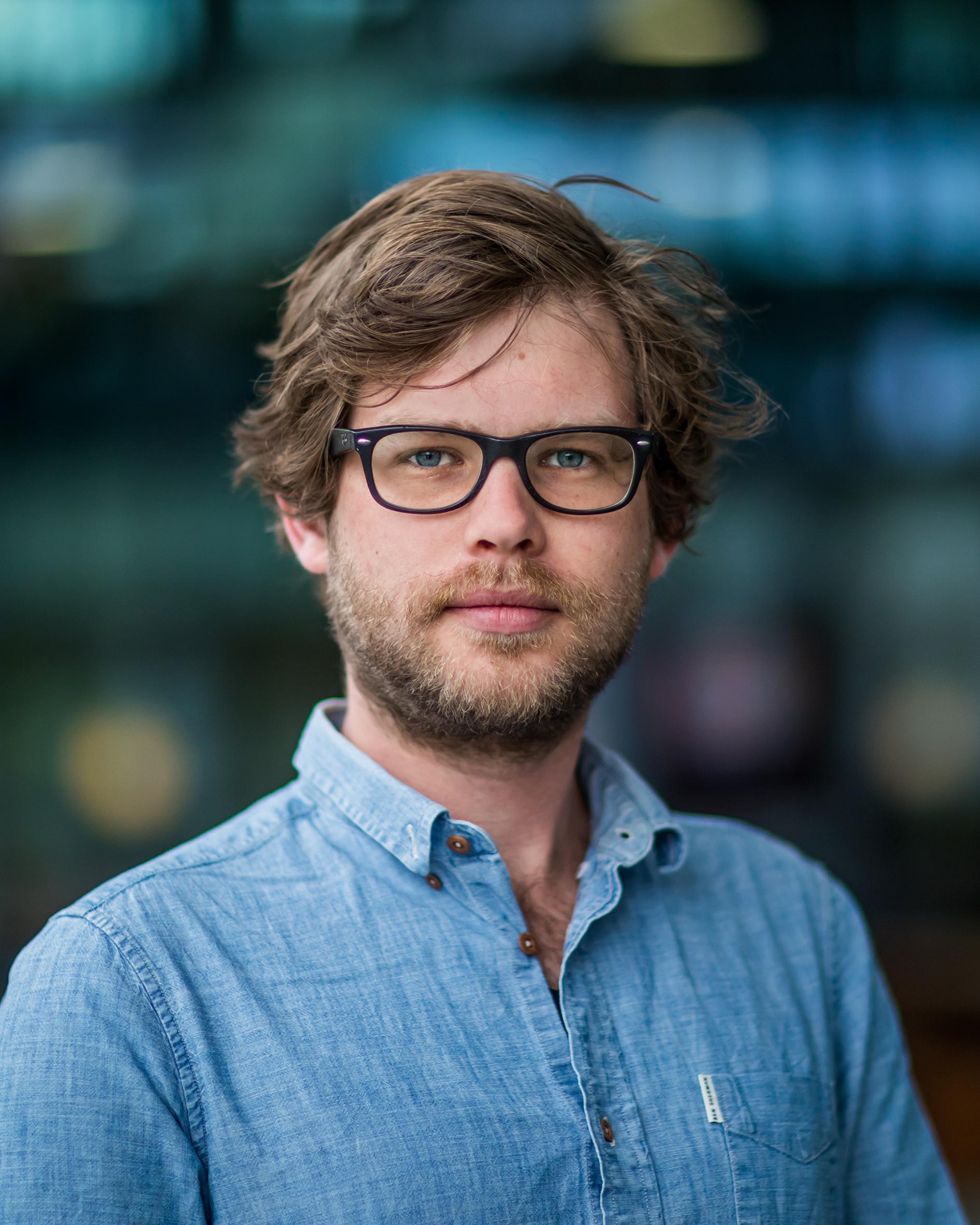 Kam, M.J. van der  MSc